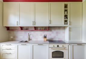 Interjera dizains virtuvei un vannas istabai